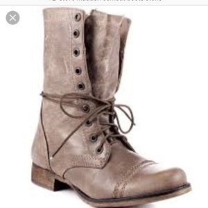 Steve Madden Troopa stone combat boots!